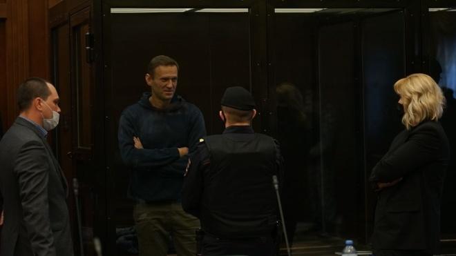 Ув'язнений Навальний заявив про розвиток хвороби та відсутність лікування. У колонії йому дають лише знеболювальне