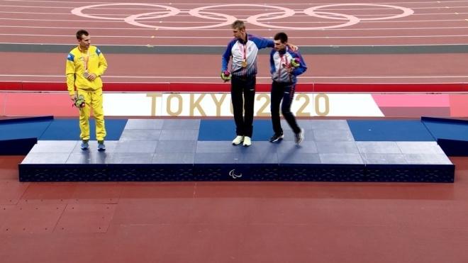 Украинский паралимпиец отказался фотографироваться с россиянами на пьедестале