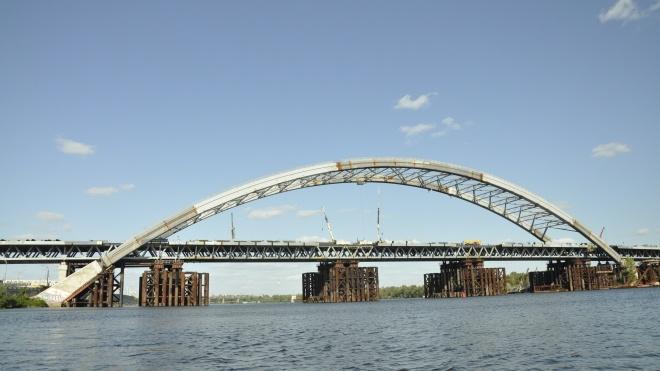 Обшуки у столиці: правоохоронці прийшли до підрядника будівництва Подільського моста та в «Київміськсвітло»