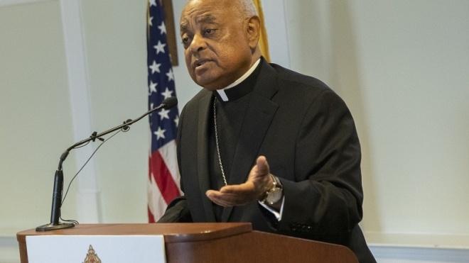 Папа Римський вперше призначив кардиналом у США темношкірого священника. Він боровся з розбещувачами дітей в церкві