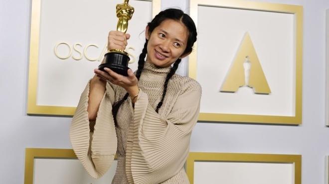 Власти Китая запретили СМИ писать о том, что режиссер Хлои Чжао получила «Оскар»