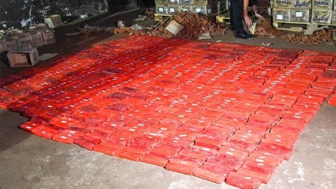 У Києві вилучили партію героїну на мільярд гривень: понад 368 кілограмів наркотиків сховали у муляжах цегли
