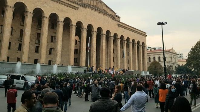 «Вкрадені вибори». У столиці Грузії розпочався мітинг проти фальсифікації парламентських виборів