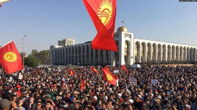 Парламент Киргизстану скасував надзвичайний стан у країні