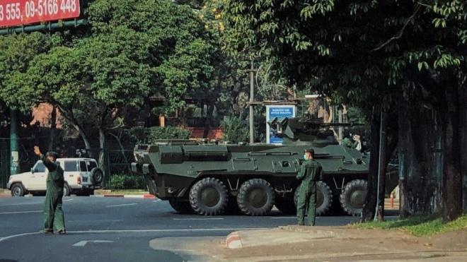 Мятежники в Мьянме хотят осудить канцлера за хранение дома раций. За это главе государства грозит два года тюрьмы