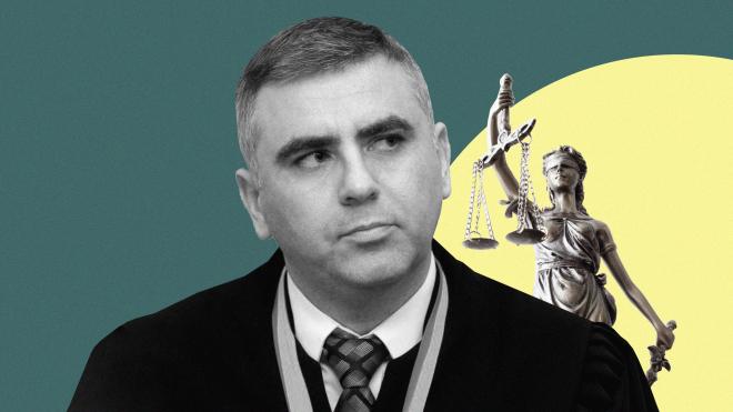 Два депутата «Слуги народа» почти год воюют с судьей Евгением Сидоровым. Не интригует? На самом деле эта история об Андрее Портнове и (немного) о деле «вагнеровцев»