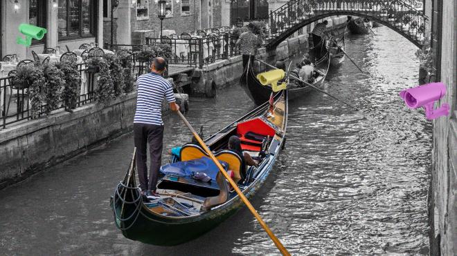 Венеция устала от туристов и будет следить за ними с помощью видеокамер. Город превращается в антиутопию? Власти уверяют, что нет, но туристам, политикам и горожанам это уже не нравится
