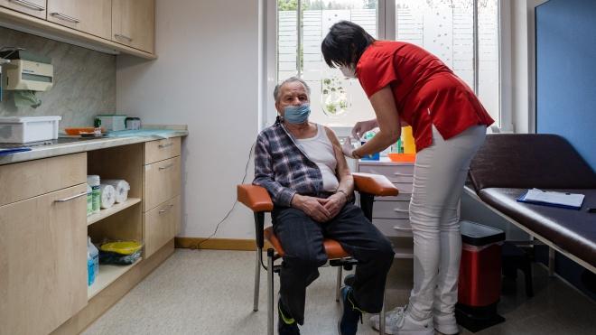 В Україні розпочався четвертий етап вакцинації від коронавірусу
