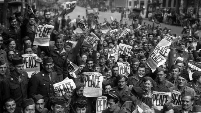 Перший день після Другої світової: нове свято в СРСР, тиха війна проти Сталіна і забутий в льодах німецький загін. Що відбувалося у світі 3 вересня 1945 року