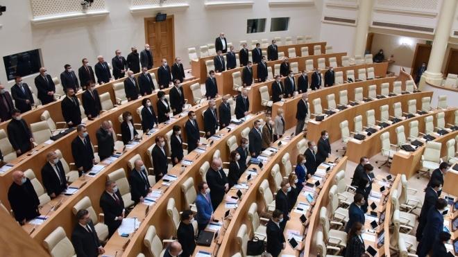Партія Саакашвілі увійде до складу парламенту Грузії після семи місяців бойкоту. Але не підписуватиме угоди про вихід з політичної кризи