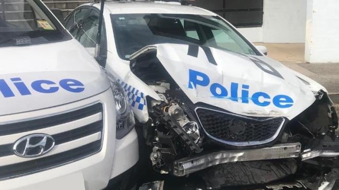 В Австралии мужчина протаранил полицейские авто на машине, в которой вез наркотики на $145 миллионов
