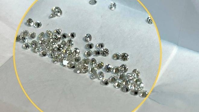 У «Борисполі» затримали чоловіка, який намагався провезти у спідньому діаманти на 2 мільйони гривень