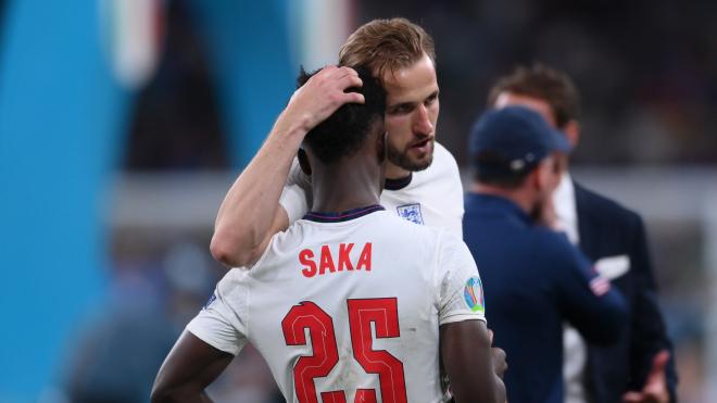 «Арсенал» заявив про цькування темношкірого вінгера Саки, який не реалізував пенальті за збірну Англії. Поліція почала розслідування
