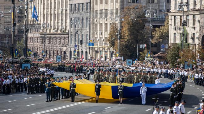 Независимой Украине 30 лет. Это 15 фотографий с военного парада в Киеве, которые вам точно нужно посмотреть (там самолеты, танки и песики!)