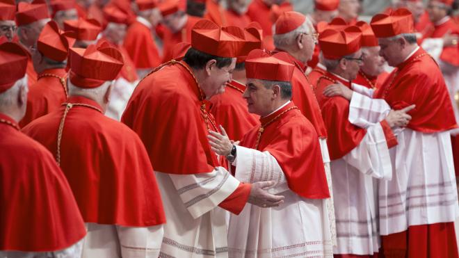 Ватиканський трибунал уперше в історії судить кардинала. Колишнього соратника Папи Франциска звинувачують у розтраті 350 мільйонів євро пожертв (спойлер: схоже, не обійшлося без кохання)