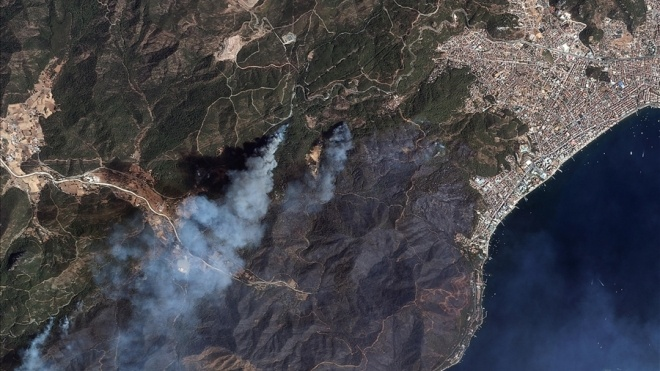 Випалені вогнем турецькі ліси видно з космосу