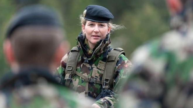 У Швейцарії в армії жінкам вперше будуть видавати жіночу спідню білизну. До цього вони носили чоловічу