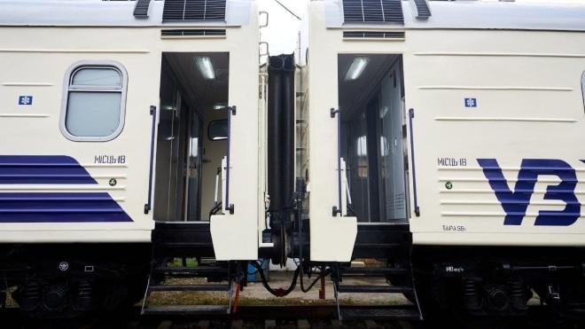 СБУ разоблачила аферу на «Укрзалізниці»: дельцы потратили 200 миллионов гривен на легковоспламеняющиеся материалы для ремонта в вагонах