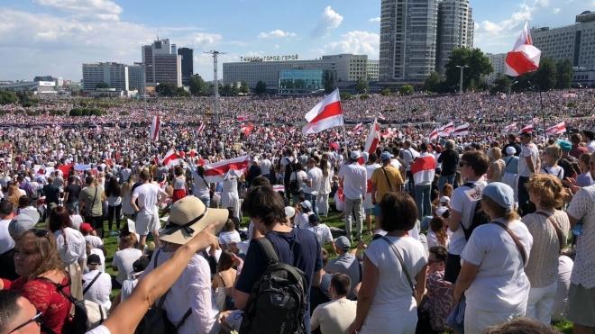 Протести у Білорусі: сотні тисяч людей вийшли на Марш свободи у різних містах
