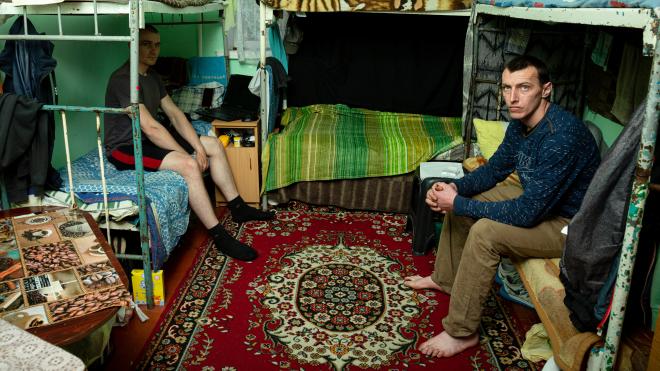 Засуджені виправного центру під Вінницею скаржились «Бабелю» на те, як вони тепер живуть. Ми з'їздили подивитись як — гірше. А сталося це через реформу Мін'юсту — репортаж