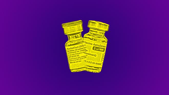 Одна доза вакцины от коронавируса — уже хорошо, ведь второй может хватит не всем. А что, если вколоть разные вакцины? Ученые как раз разбираются, будет ли польза от такой смеси