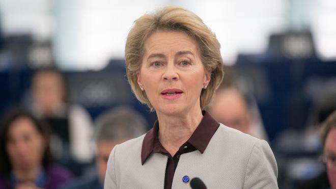 Глава Еврокомиссии пригрозила AstraZeneca запретом на экспорт вакцины
