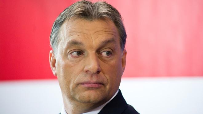 Премьер Венгрии Орбан осудил депутата своей партии, которого застукали на секс-вечеринке для геев