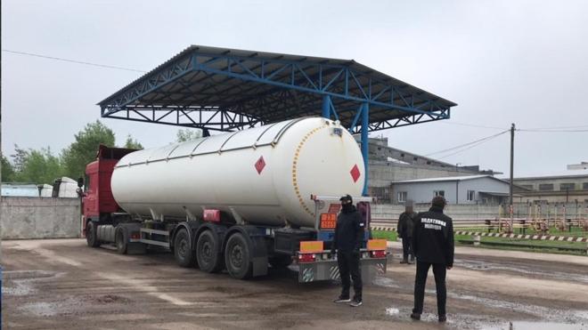 СБУ викрила схему контрабанди пального з Росії та Білорусі. У цій справі були обшуки в будинку Кличка