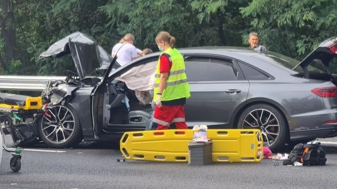 Десятки СМИ удалили новости об аварии с участием нардепа Трухина из «Слуги народа». Партия, МВД и сам «слуга» молчат