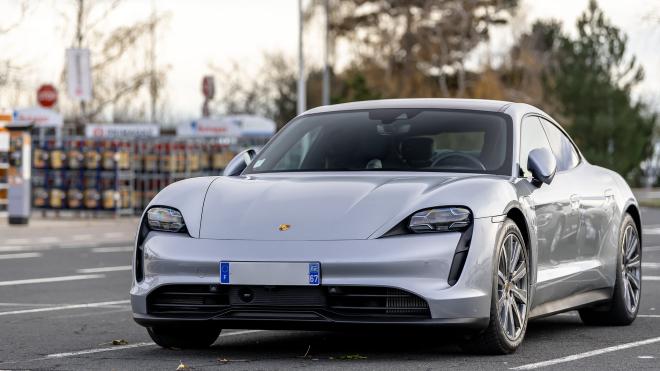 Porsche отзывает все выпущенные электрокары Taycan. В Украине продали 106 таких автомобилей