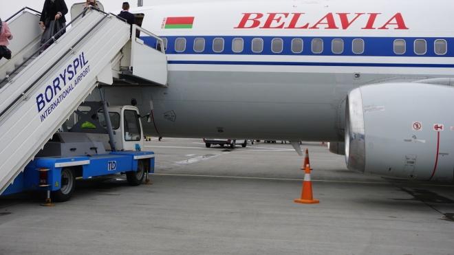 Україна закриває повітряний простір для білоруських літаків