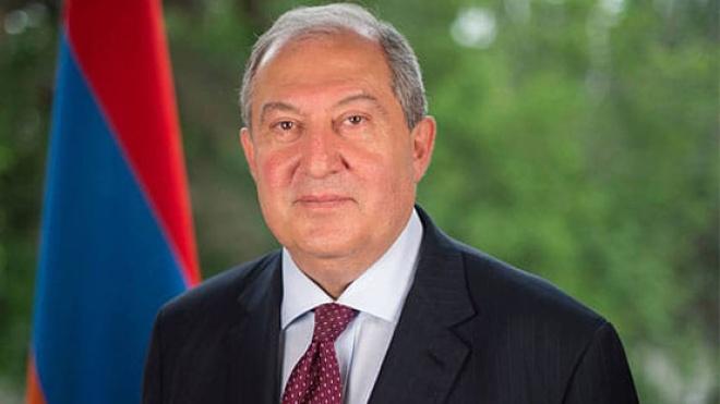 «Не участвовал в переговорах». Президент Армении заявил, что узнал о договоре по Нагорному Карабаху из прессы