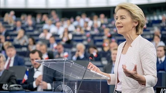 Єврокомісія: Уряди Польщі та Угорщини створюють загрозу для верховенства права у країнах