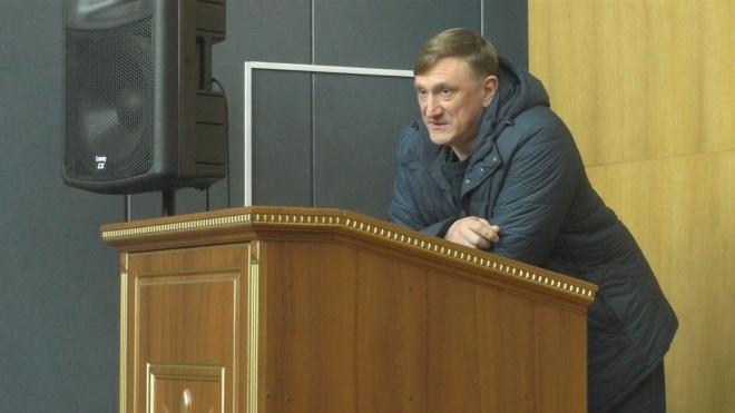 ЦИК зарегистрировала народным депутатом Андрея Аксенова. Его обвиняли в организации «референдума» на Донбассе