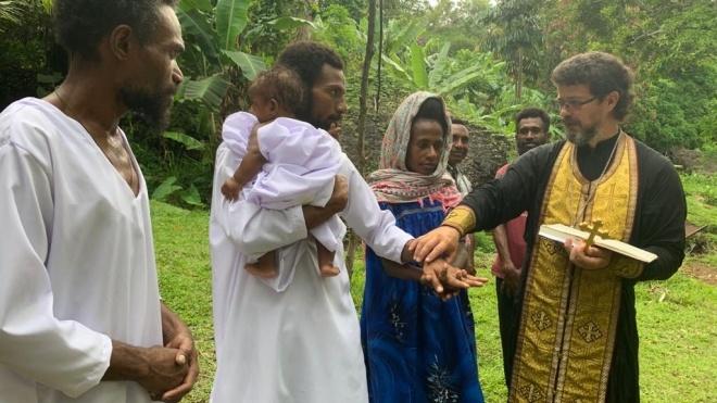 РПЦ начала проповедовать среди папуасов. Некоторые из них уже попросились в церковь