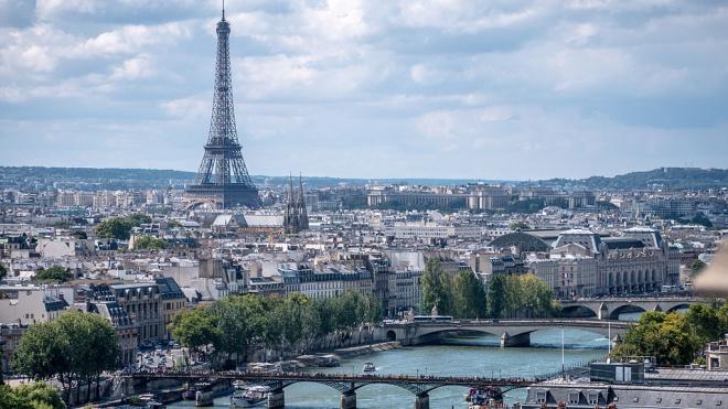 Во Франции второе вооруженное нападение за день. На этот раз без посторонних жертв — полиция застрелила злоумышленника