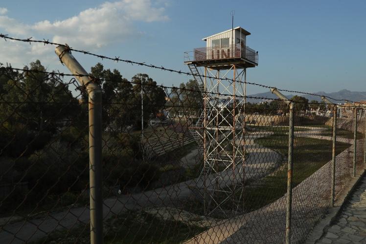 Занедбана вежа вздовж «зеленої лінії» неподалік Нікосії, 21 квітня 2019 року.
