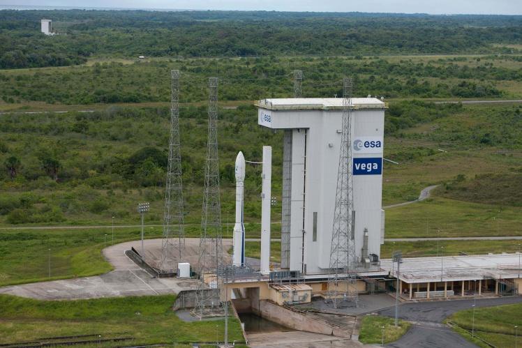 «Южное» и «Южмаш» разрабатывают и производят двигатель четвертой ступени европейской ракеты «Вега», которая доставляет на орбиту телекоммуникационные спутники.