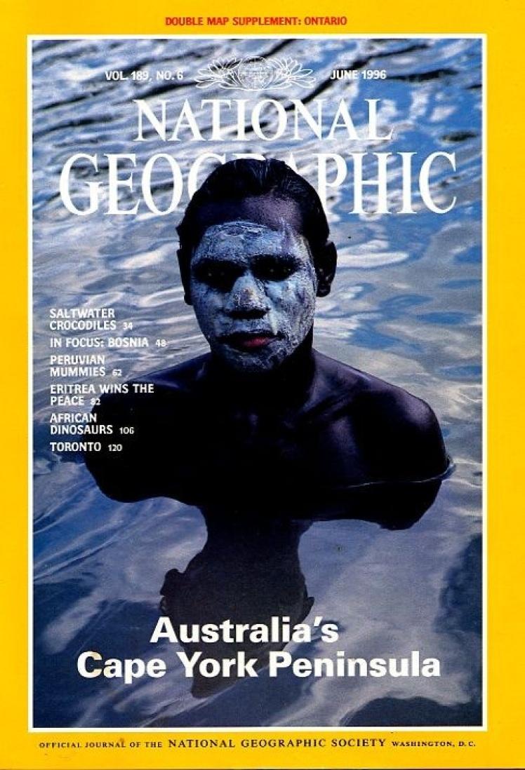 Червень 1996 року. Центральний матеріал про півострів Кейп-Йорк в Австралії, де кільком сотням унікальних видів рослин і тварин загрожує зникнення. На фото місцевий підліток-абориген.