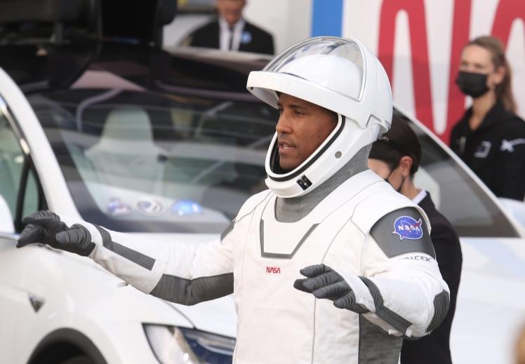Участник миссии Виктор Гловер, который станет первым темнокожим членом экипажа МКС, 15 ноября 2020 года.
