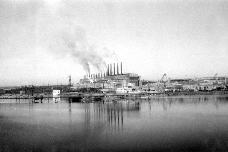 Общий вид Зуевской электростанции в пгт Зуевка Сталинской (сейчас Донецкой) области, 1930-е годы.