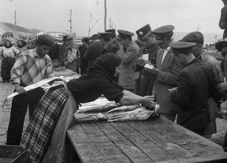 Рибний ринок у Португалії, 1 січня 1948 року.
