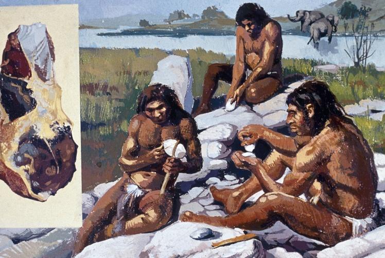 Неандертальці виготовляють зброю та знаряддя праці.