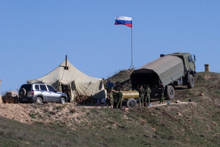 Война в Нагорном Карабахе - Азербайджан продвигается дальше, а на границе  заметили военных России