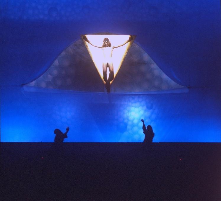 Сцена розп'яття з мюзиклу «Ісус Христос — суперзірка», 12 жовтня 1971 року.