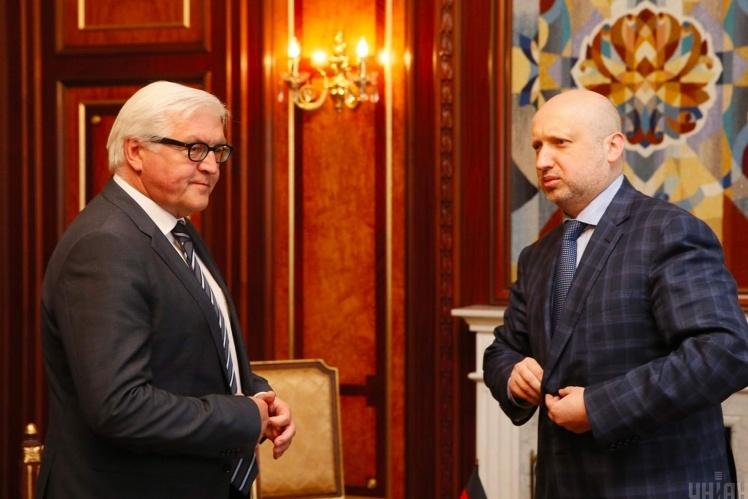 З Франк-Вальтером Штайнмаєром, міністром закордонних справ Німеччини, 13 травня 2014 року.