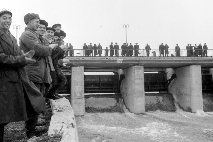 Пуск воды на Симферопольском водохранилище, 27 декабря 1955 года.