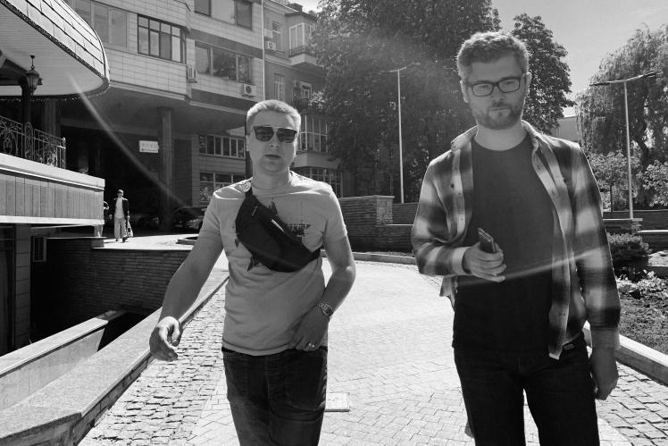 Ліворуч — Дмитро Лукомський. Праворуч — кореспондент «Бабеля» Антон Семиженко.