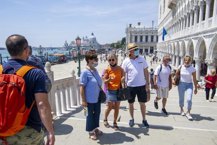 Туристы у площади Сан Марко, август 2021 года.