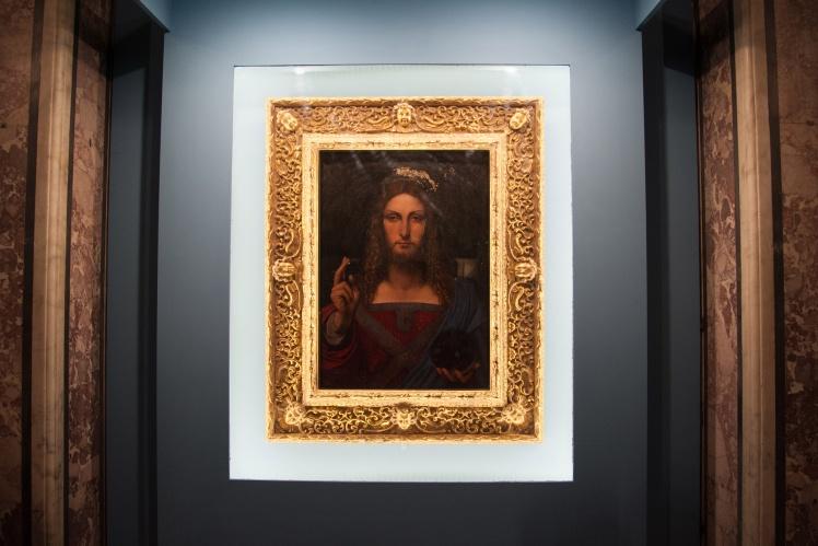 Картина «Спаситель світу» Леонардо да Вінчі на виставці в Неаполі, 11 січня 2017 року.